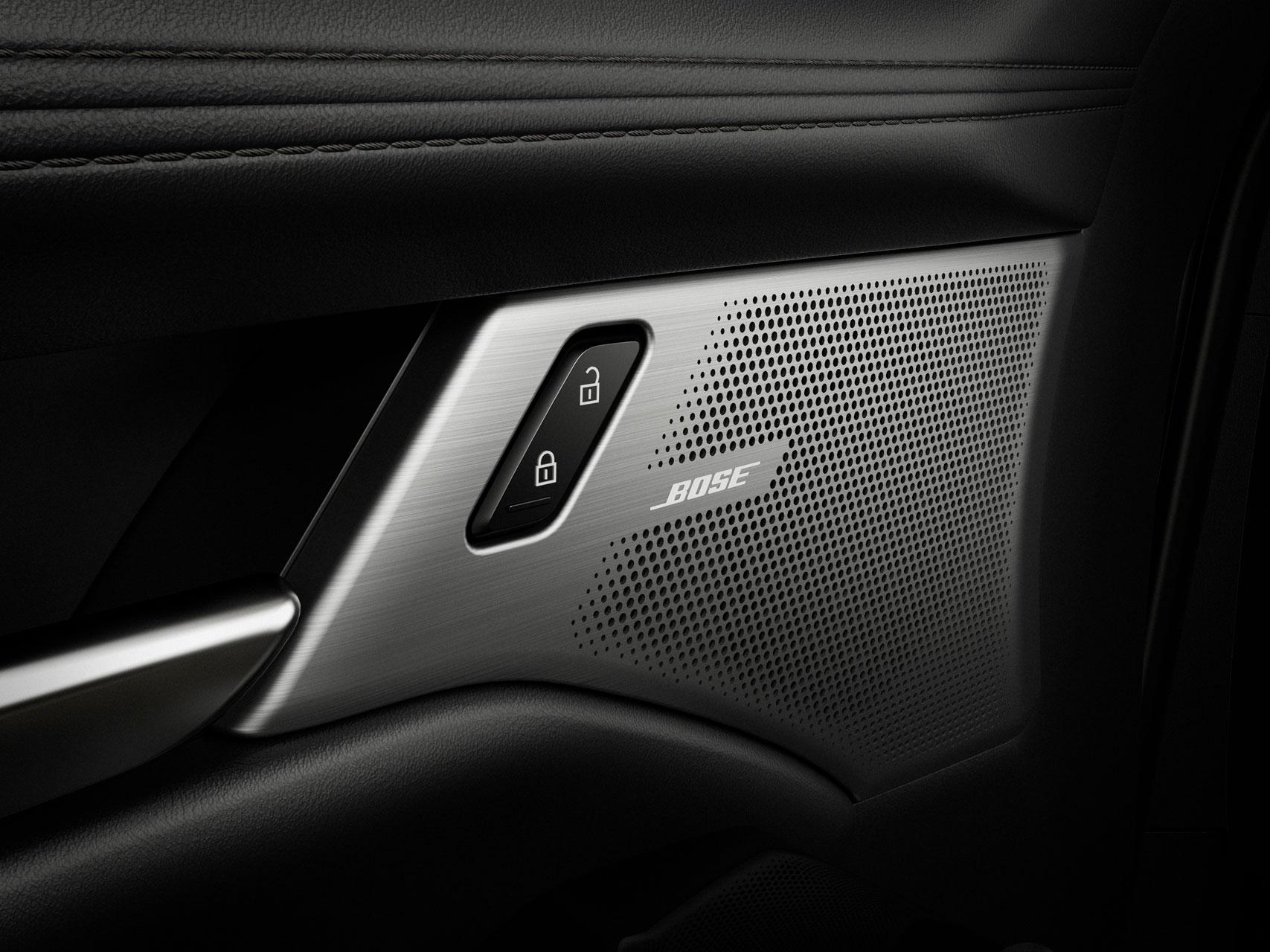Mazda Ecuador - Mazda y Bose